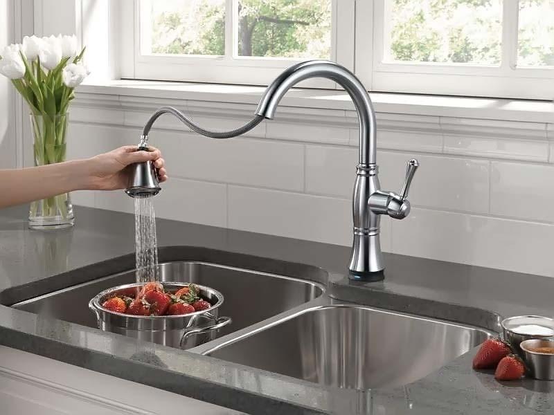 Смеситель для кухни с гибким изливом