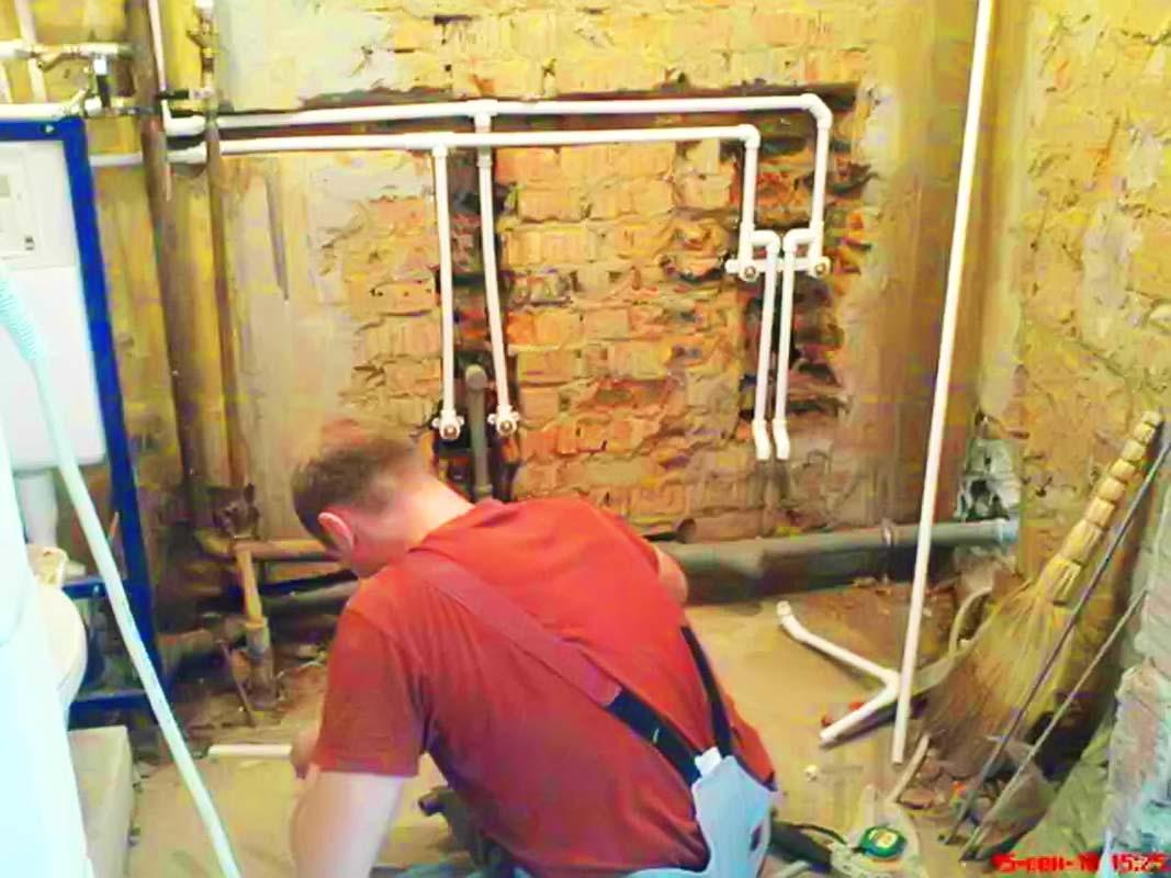 Замена водопровода в квартире
