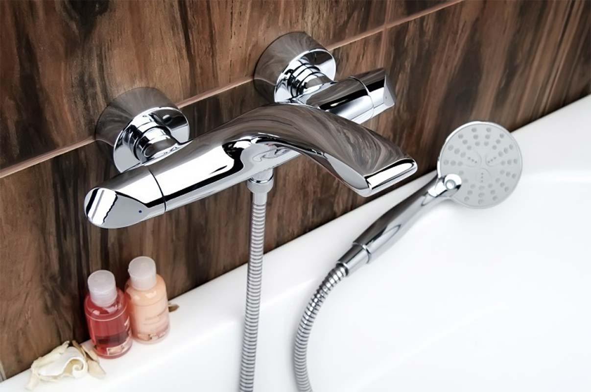 Гигиенический смеситель в ванной